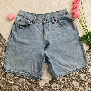 VTG HIGH WAISTED DISTRESSED 90s GRUNGE SHOIRTS